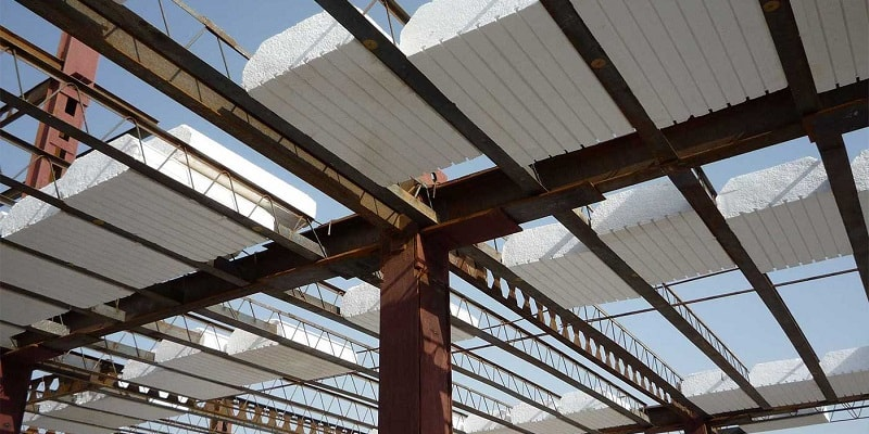 Chromite roof